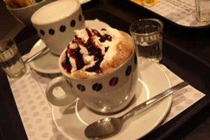 В кафе со своей едой