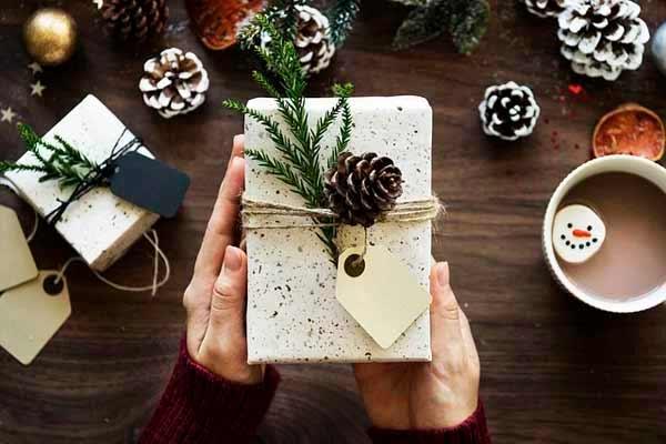 Покупка подарка второй половине - самая сложная задача