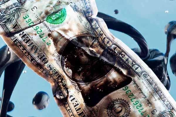 Нефть дешевеет. А как там доллар?